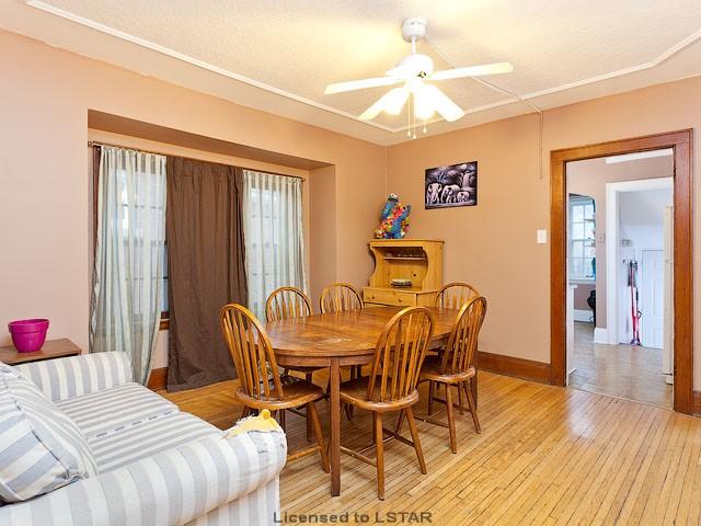 室内装修在附近房屋中可属出类拔萃,墙壁 屋顶 浴室都已新近